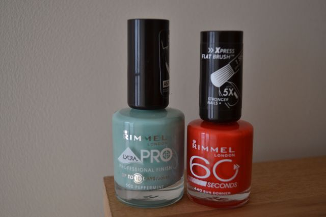spotty nail art polishes