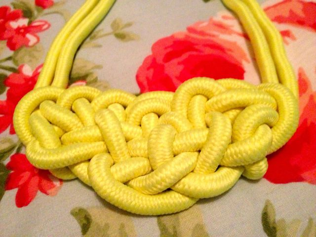 neon knot2